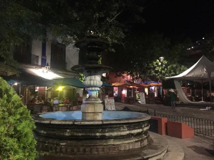 サン・フェルナンド広場(グアナファト⑤夕方〜夜)【メキシコ】