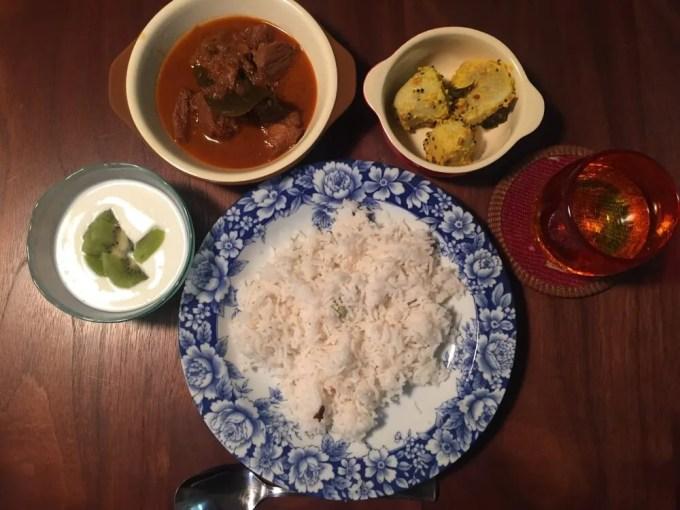 ポークビンダルー、里芋のポリヤル【レシピ】