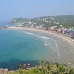 朝の浜辺を歩いて灯台へ!コヴァーラムビーチのパノラマを眺める【南インド・ケララ州】