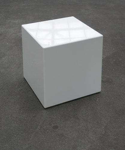 Feminized White Cube