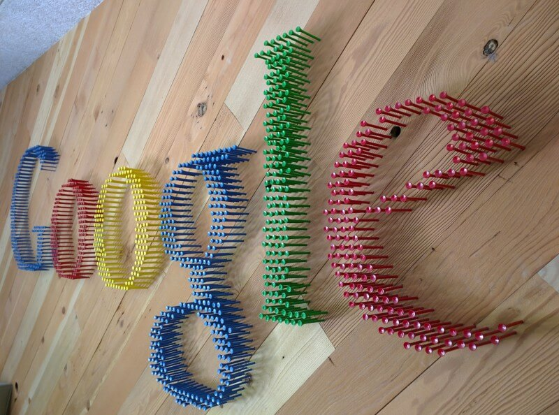 Google Golf Tees Logo