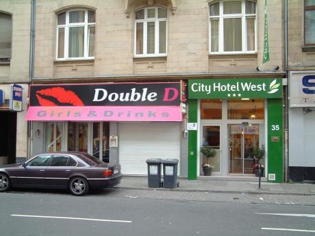 City Hotel West
