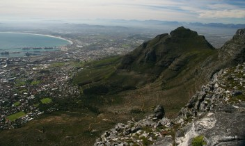 Table Mountain, Devil's Peak, Table Bay and the Cape peninsula (with Simonsberg near Stellenbosch peaking out just above the tip of Devil's Peak)