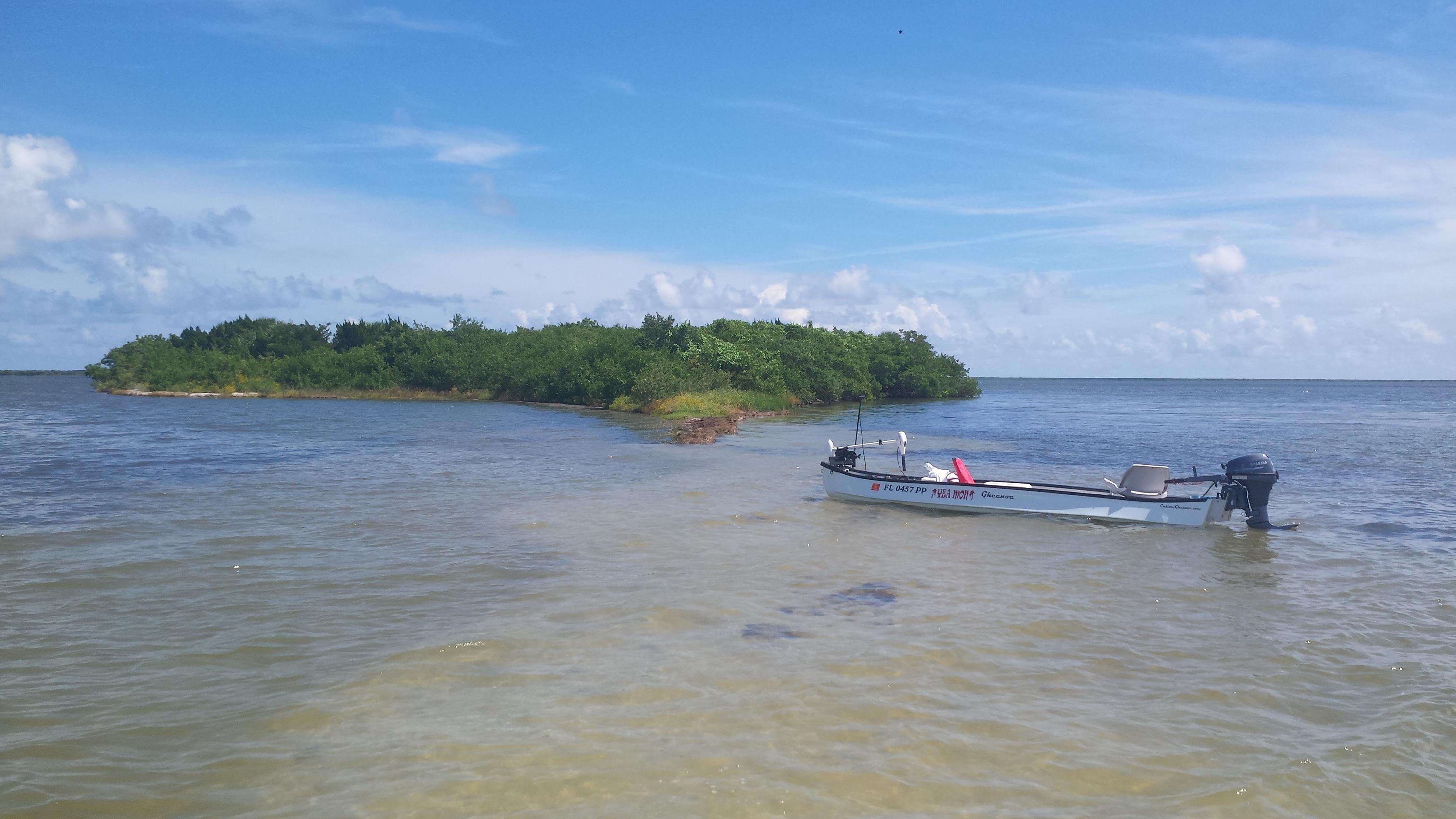 gheenoe in shallow water mosquito lagoon