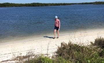 beach-combing florida island