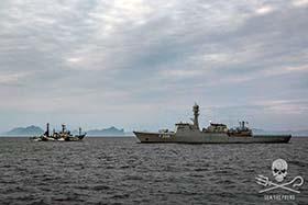 editorial-150828-2-1-The-MV-Sam-Simon-and-the-HDMS-Triton-280w