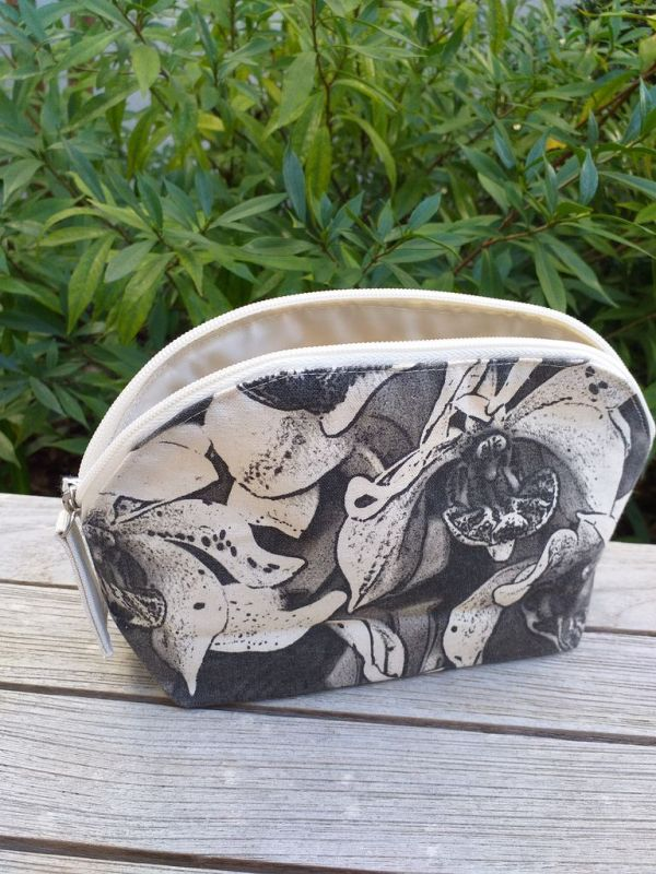 ACN902 Silk Screened Plastic Lined Cosmetic Bag