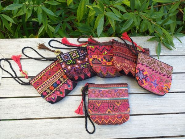 RSW405b Small Hand Stitch Wristlet Bag