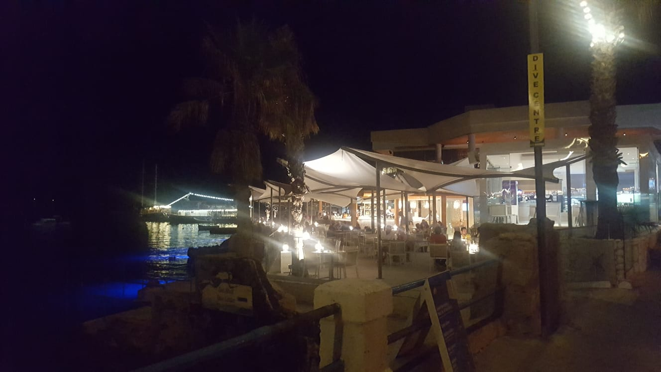 Restaurants in Mellieha bay near Seaside apartments malta