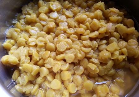 Boiled chana dal