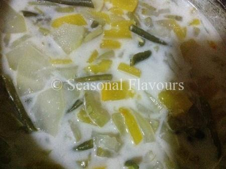Olan Sadhya Vegetables in Coconut Milk
