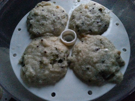 Steamed Rava Idli Recipe