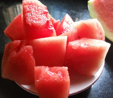 Watermelon cubes for juice