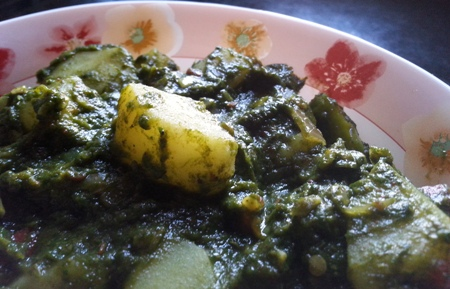 Potatoes In Pureed Spinach Sauce