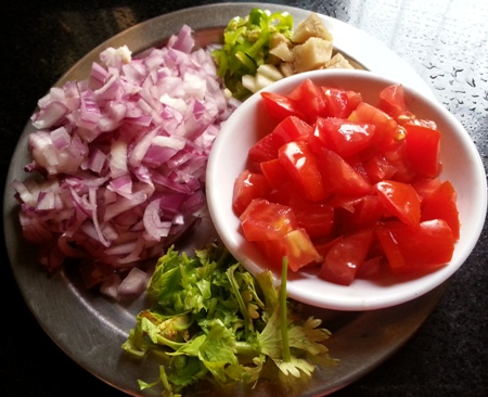 Ingredients for making baingan ka bharta