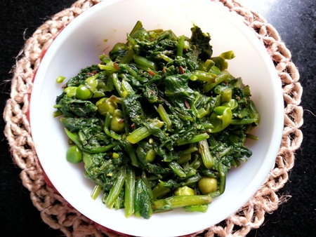 Spinach And Green Peas Easy Recipe