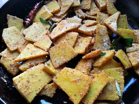 add cooked yam to tadka for Chettinad yam fry recipe