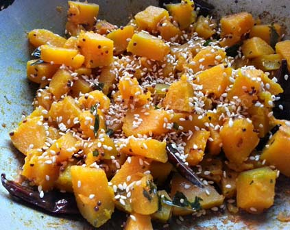 sprinkle sesame seeds for kaddu sabzi recipe