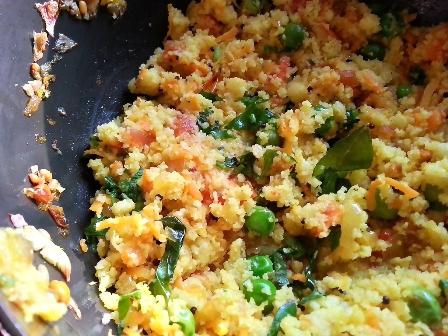 Sprinkle lemon juice and coriander leaves to idli upma recipe South Indian style