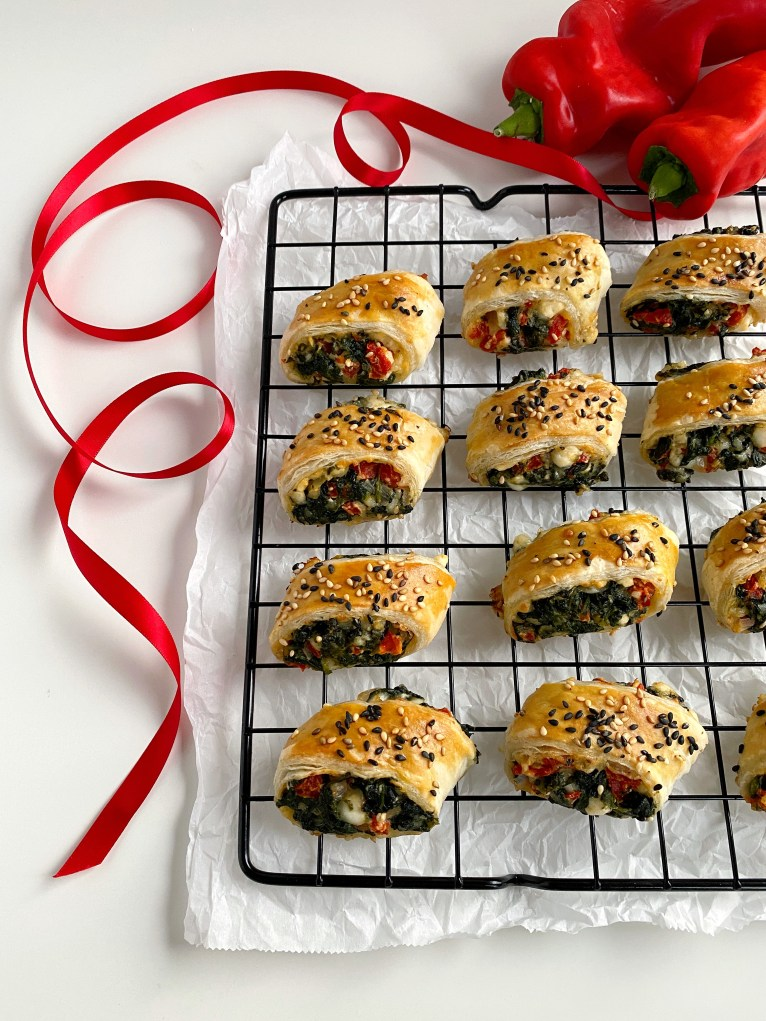 Spinach & Red Pepper Puffs - Season and Serve Blog