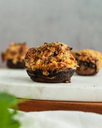 spicy sausage & cheese stuffed mushroom