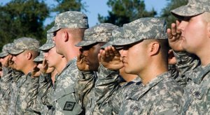 Army-soldiers-saluting-Flickr