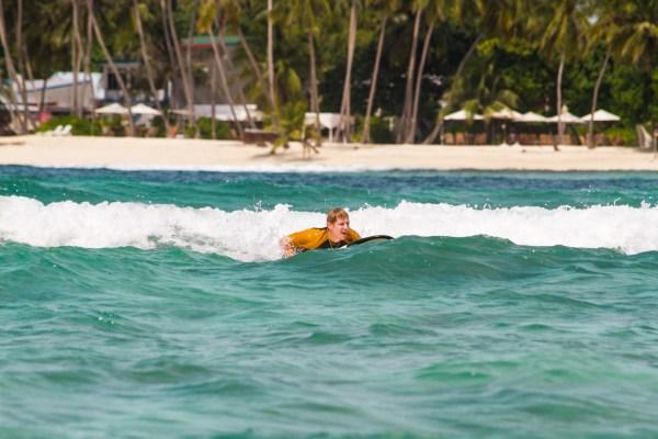 Hakula surf 08.jpg