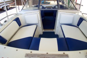 Bow-upholstery