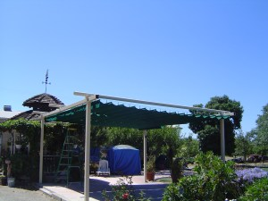 White-Steel-Frame-Patio-Suspension