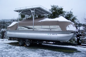pontoon-in-snow