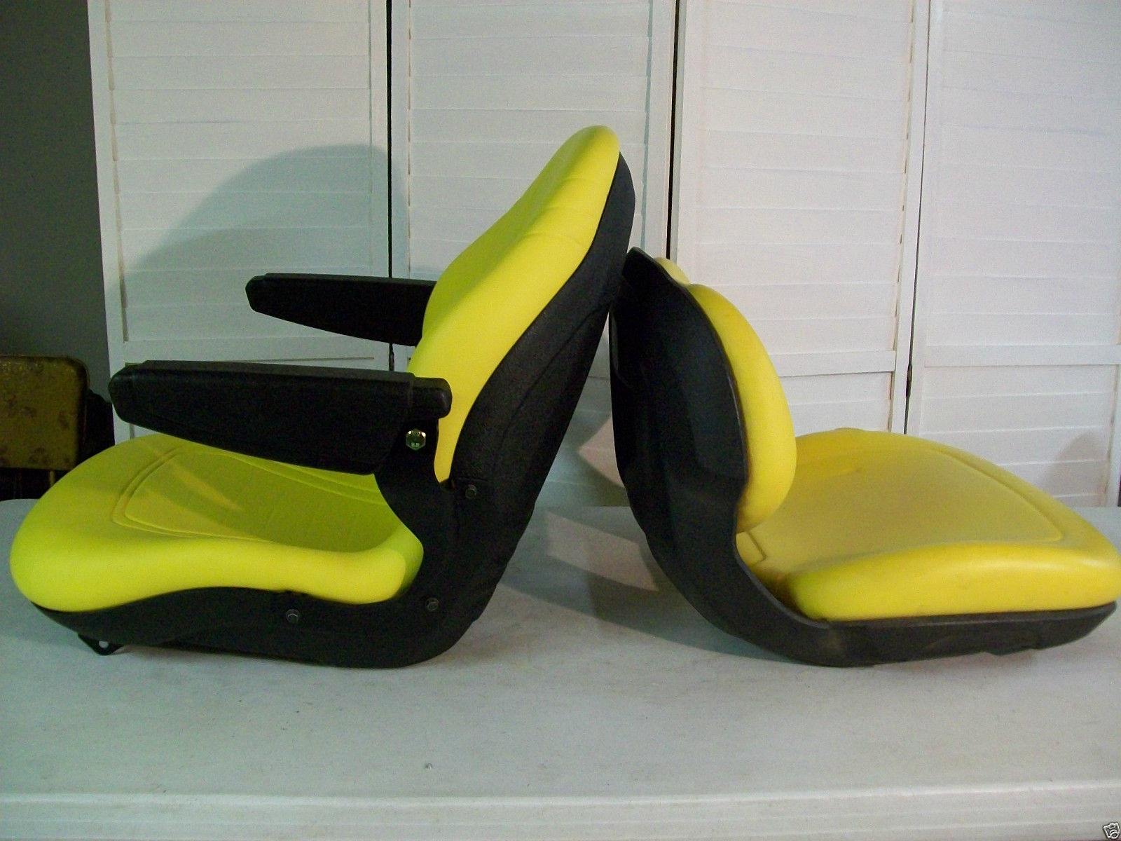 hight resolution of yellow seat for john deere x300 x300r x320 x340 x360 x500 x520 x530 garden tractors ki