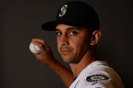 steve-cishek-mlb-seattle-mariners-spring-training-media-day-590x900