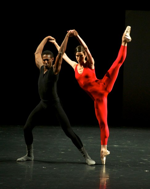 Lyon Opera Ballet in William Forsythe's Steptext Photo by Jaime Roque de la Cruz