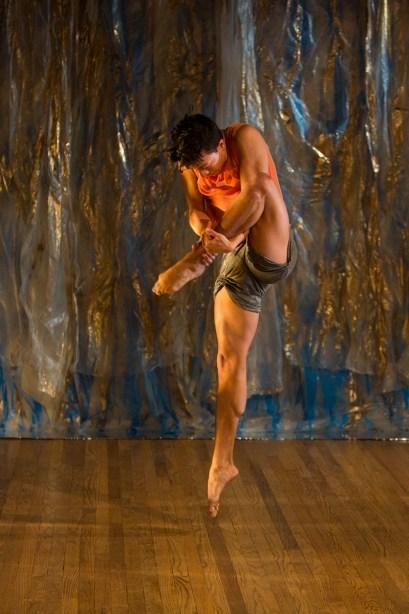 Performer Jim Kent. Photo by Tm Summers.