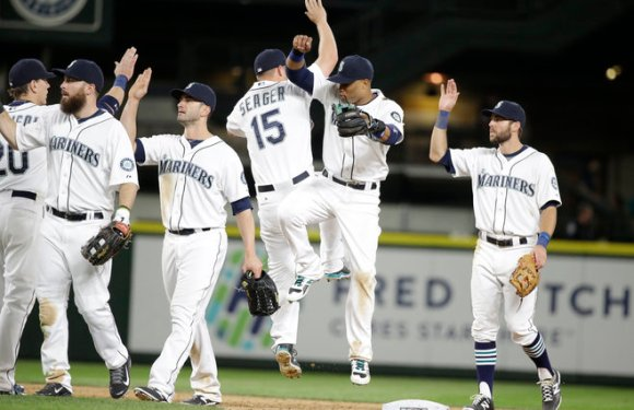 Mariners Weekly Preview: Friars and Red Sox