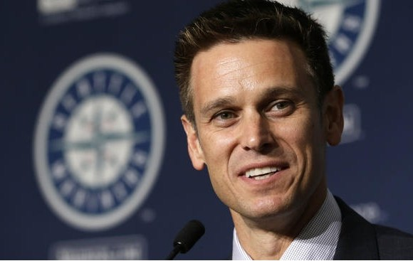 Seattle Mariners: Acquire setup man Joaquin Benoit, resign Guti, Cruz earns Silver, and more!