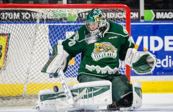Carter Hart makes his return to the Silvertips