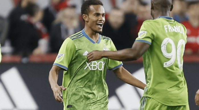 Depleted Sounders squad gets road win against TFC 2-1