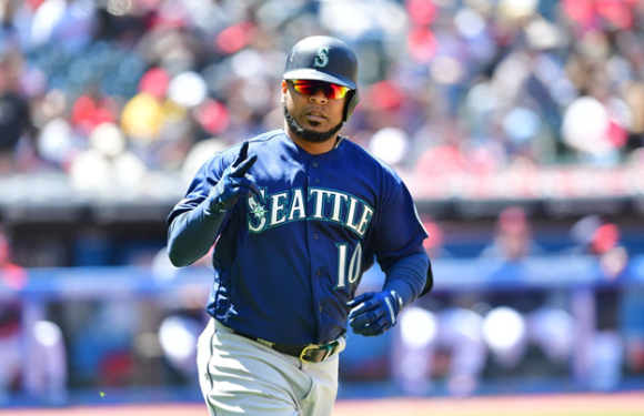 Encarnacion reaches his 400th homer helping the M's win series over Angels