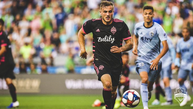 Depleted Sounders struggle at home, lose 3-2 to Sporting KC