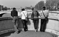 Four friends over the Seine.