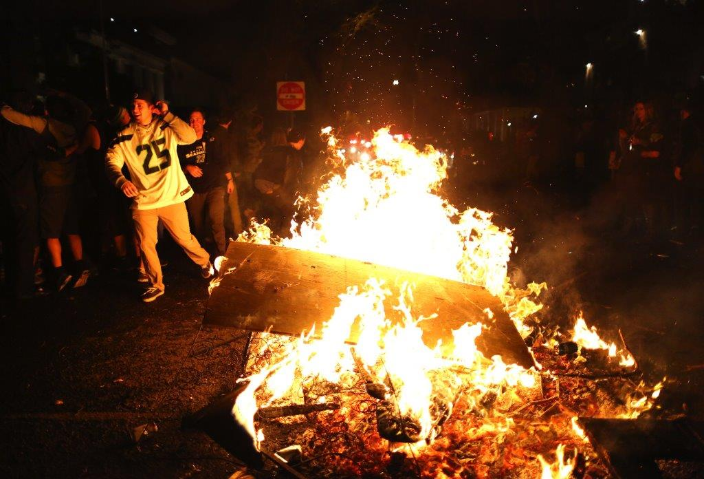 Fans Pour Into Seattle Streets After Super Bowl Victory