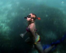 Renee Blundon in the Blue Lagoon on Mafia Island 1280 x 1024