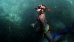 Renee Blundon in the Blue Lagoon on Mafia Island 1920 x 1080