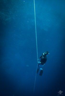 Adam De La Mare free-diving at blue hole dahab
