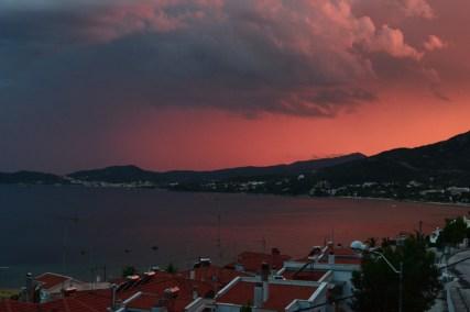 Φανταστική θέα στο ηλιοβασίλεμα