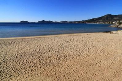 """Παραλία """"Γλάστρες"""" με ήρεμα και καταγάλανα νερά, βίλα Feel the Sea"""