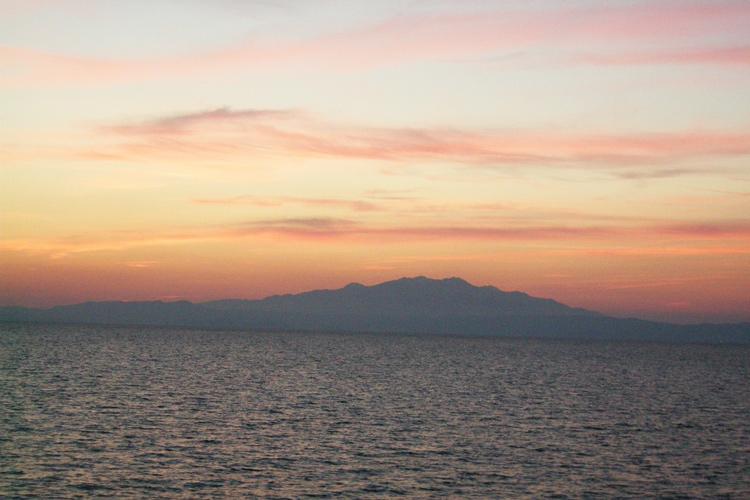 Нежные цвета заката, Эгейское море, Пальо Кавала, Греция