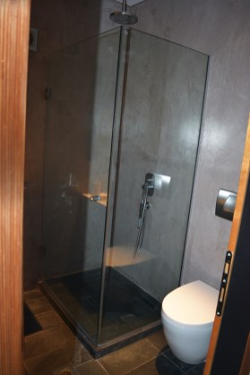 Μοντέρνο μπάνιο στο 1ο όροφο, Feel the Sea Βίλα