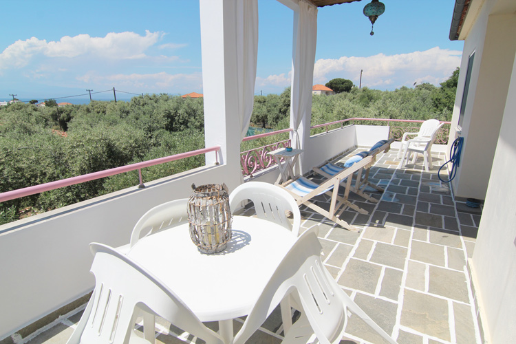 Balcony with the sun loungers on the 2nd floor, Villa Relax